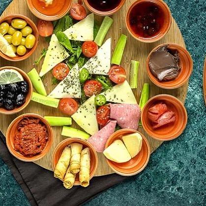 turkisk-meze-tallrik-restaurang-göteborg-lilla-istanbul